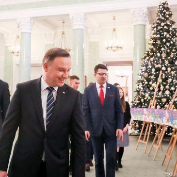 30-metrowa kartka świąteczna dla Prezydenta RP od uczniów z Baczyńskiego