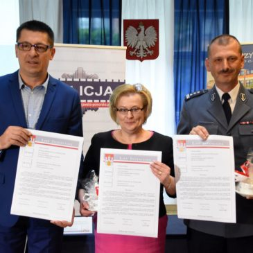 Baczyński i policja podpisali umowę